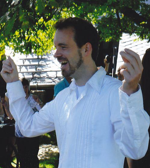 Foto: Andreas tanzt lachend